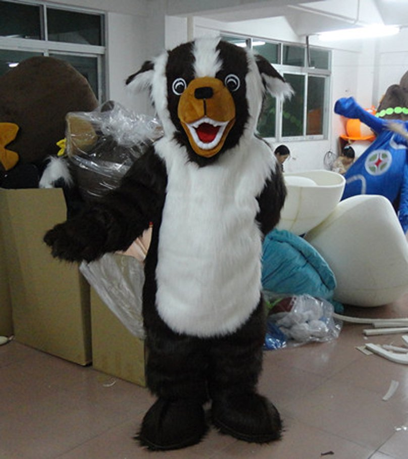 Japanese Books This Anime Cartoon Dolls Black and White Dog Eyes Goofy Cartoon Costumes Stage Clothes Hound Mascot Costume