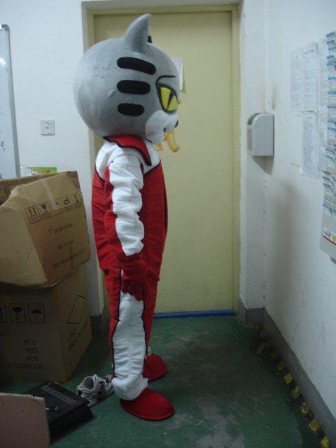 Shanghai Cartoon Doll Clothing Cartoon White Cat Racers Walking Doll Clothing Doll Clothing Mascot Costume