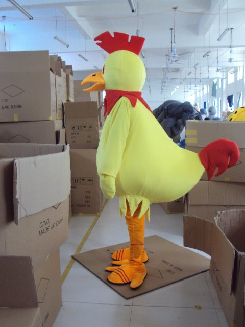 Shanghai Cartoon Doll Clothing Cartoon Costumes Big Cock Big Yellow Chicken Chick and The Duck Loaded Mascot Costume