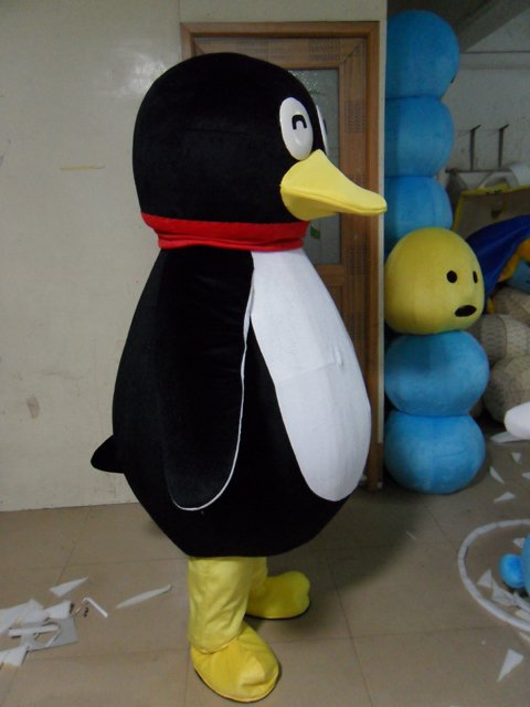Penguin Qq Dolls Walking Cartoon Clothing Fashion Show Clothing Costumes Decoration Mascot Costume