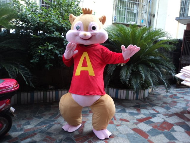 Squirrel Christmas Elf Costume Suit Wearing Man Walking Cartoon Costumes Stage Performance Clothing Squirrel Mascot Costume