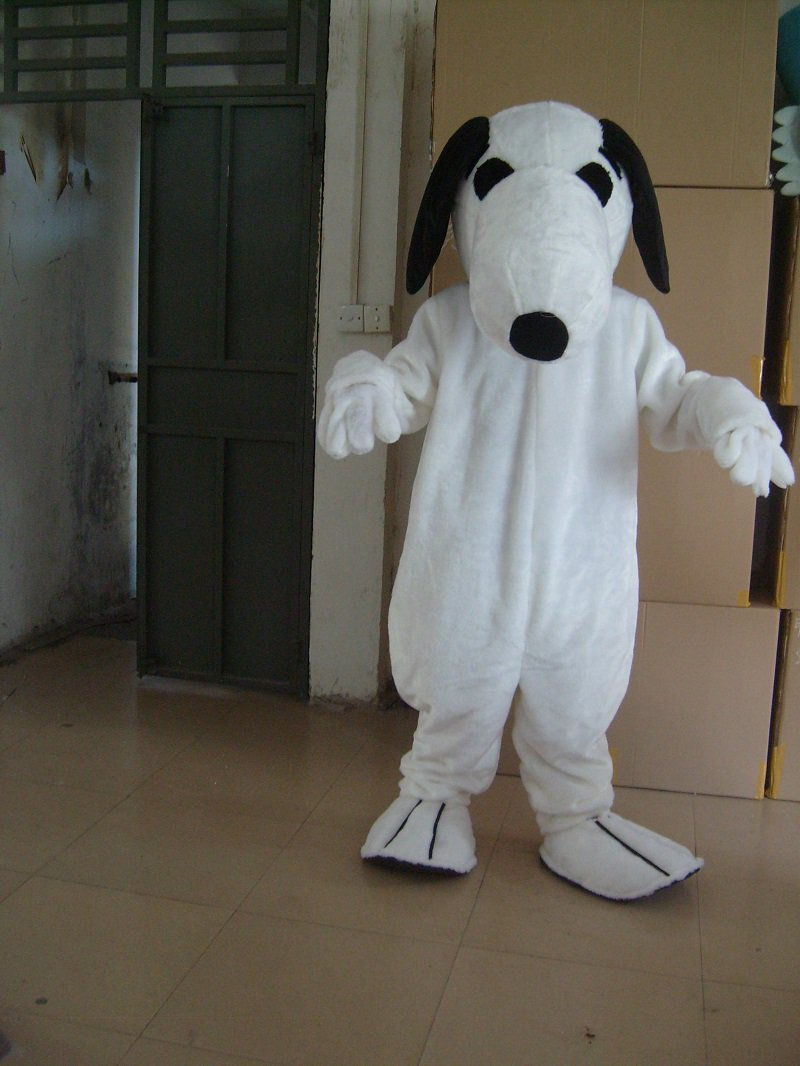 Cartoon Fashion Show Props Stage Props Cartoon Dolls Clothing Plush Snoopy Mascot Costume