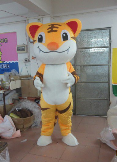 Two Tigers Animal Props For Children To Play King of The Forest Tiger Stage Costumes Cartoon Doll Clothing Mascot Costume
