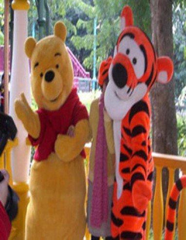 Winnie The Pooh Tigger Cartoon Dolls Performances Bear Cartoon Bear Dressed in Costumes Walking Doll Clothing Mascot Costume